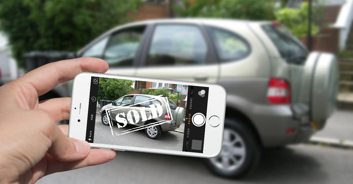 selling-car-online-shot