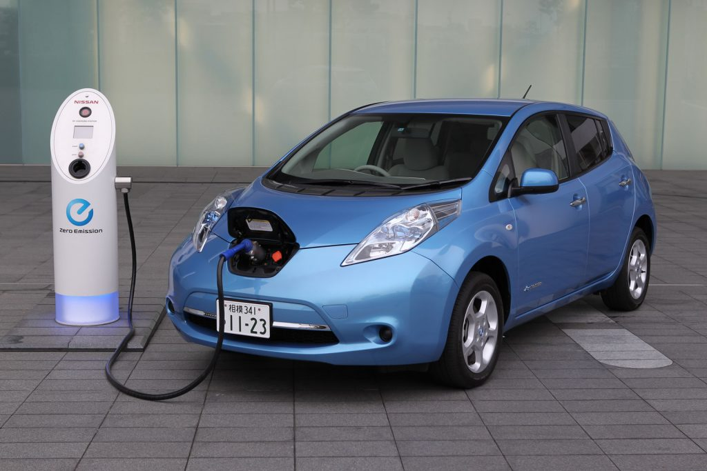 nissan-leaf-gas-shot